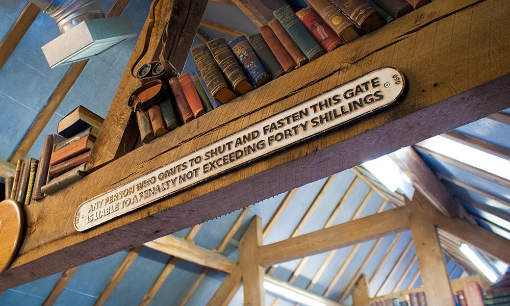 Astley Book Farm, sell your books here